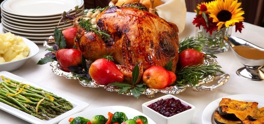 9 Health Tips for Celebrating the Holiday Season
