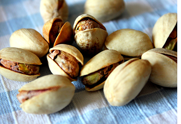 Getty-162943509-pistachios-SR77