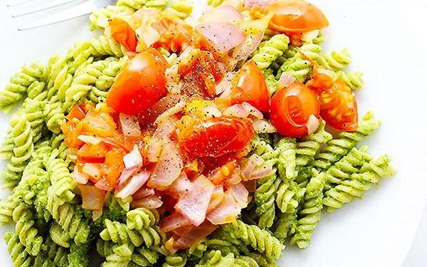 Healthy-Pesto-Pasta-1200x750
