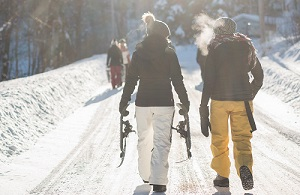 How to Stay Active in Winter: Try Skiing