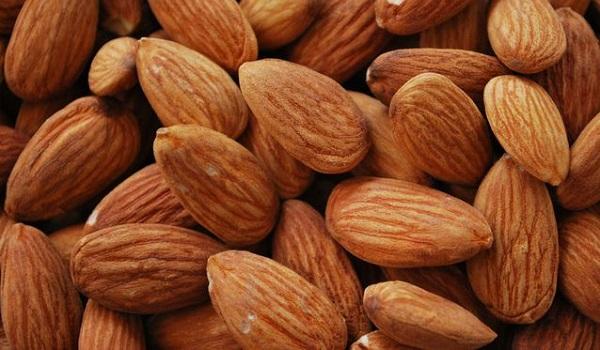10 Best Foods to Prevent Flu: Almonds