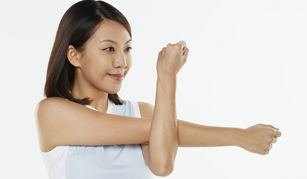 Injury Prevention Exercises: Shoulder Reaches