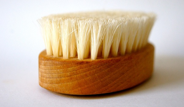 It's important for your dry brush to be a natural bristle brush.