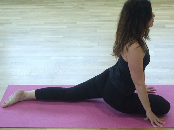 Best Gluteus Maximus Stretches: Pigeon Pose