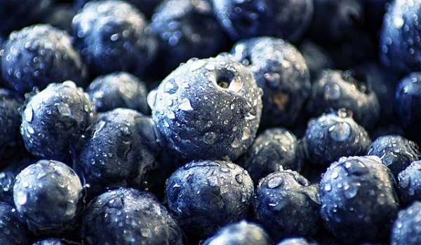 Make a simple blueberry DIY face scrub that's all natural.