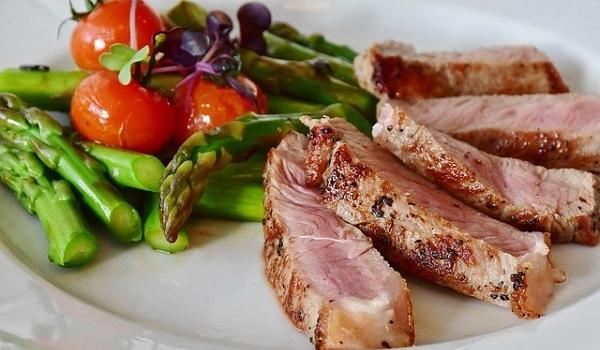 12 Healthy Habits: Eat a healthier diet.