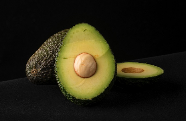 Being loaded with fibre, avocados not only aid digestion but also make you feel full for a long time.