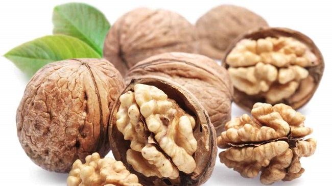 Walnuts are an ultimate brain food!
