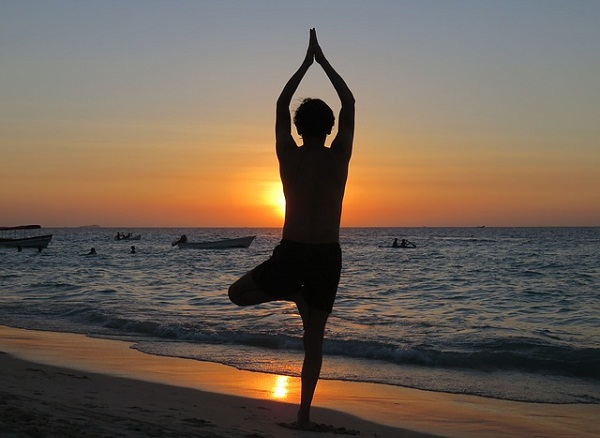 Tree pose helps to strengthen the core and the muscles in and around the knees, calves, ankles, and feet.