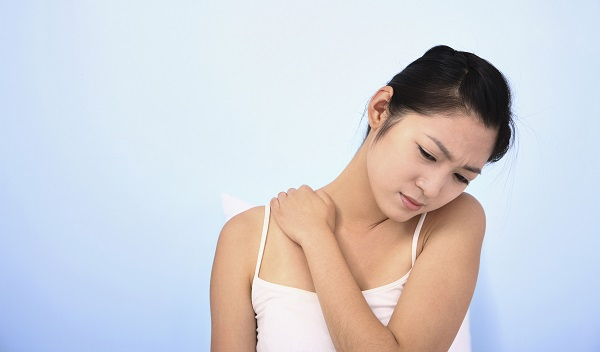 Aching muscles could be a symptom of biotin deficiency.