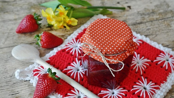 Healthy Chia Seed Recipe: Chia Seed Strawberry Jam