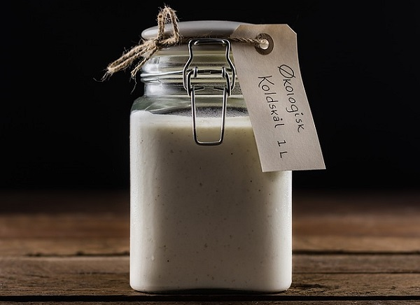 Buttermilk is full of nutrients that moisturize, nourish, and detoxify the skin.