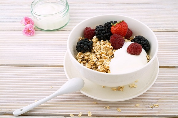 Oatmeal helps restore moisture and relieves skin irritation naturally.